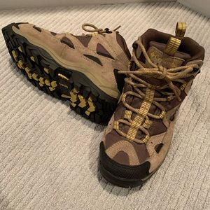 Columbia Sportswear Lace Up Hiking Boots Size 6